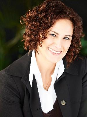 Jennifer Fazari